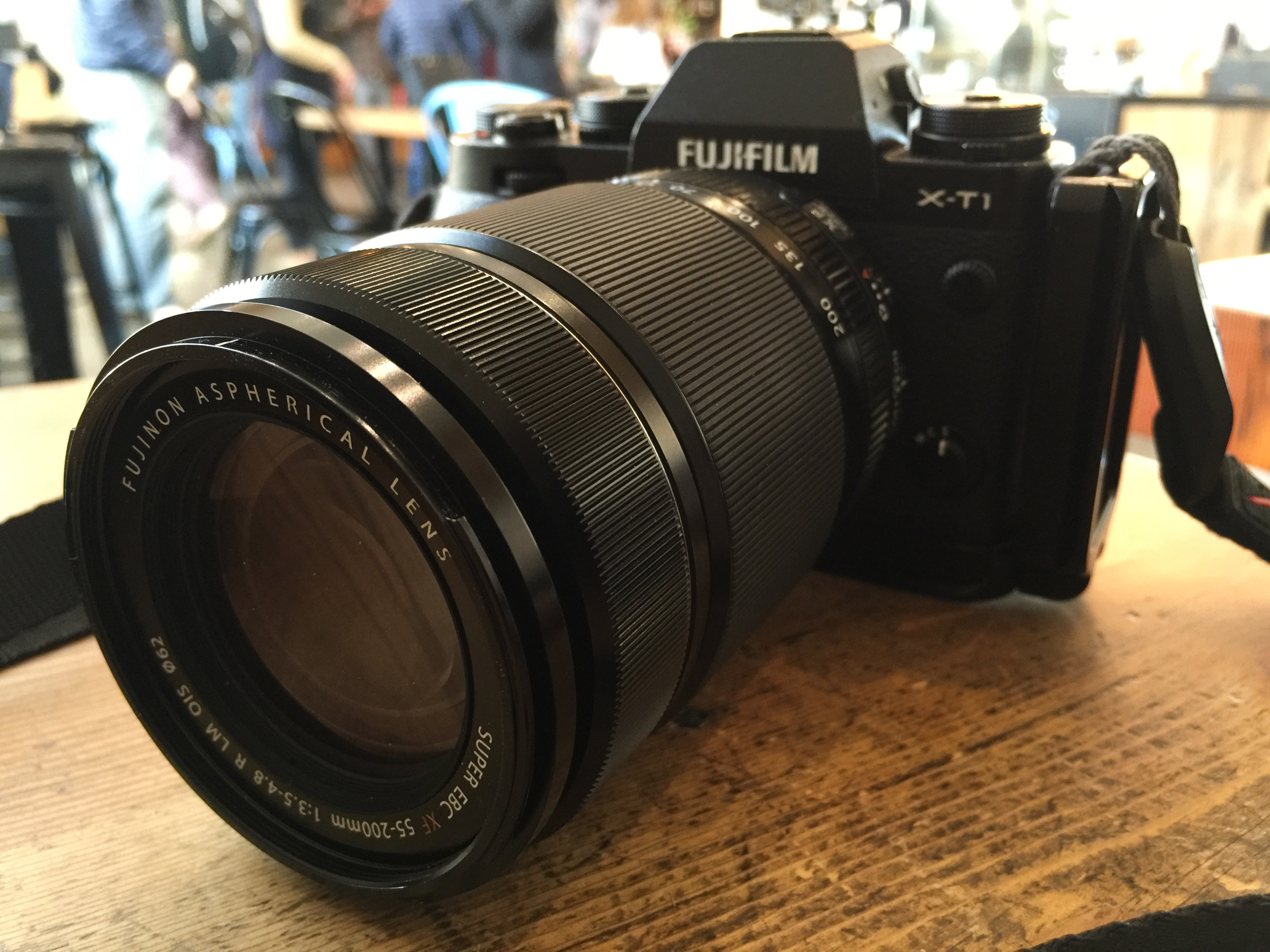 Fuji X-T1 front with 55-200mm lens